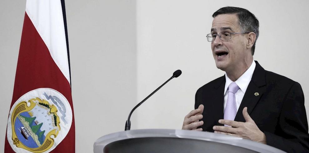 En la imagen, el presidente del Tribunal Supremo de Elecciones (TSE), Luis Antonio Sobrado