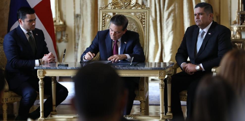 Toma de posesión del nuevo ministro de Seguridad, Juan Pino.