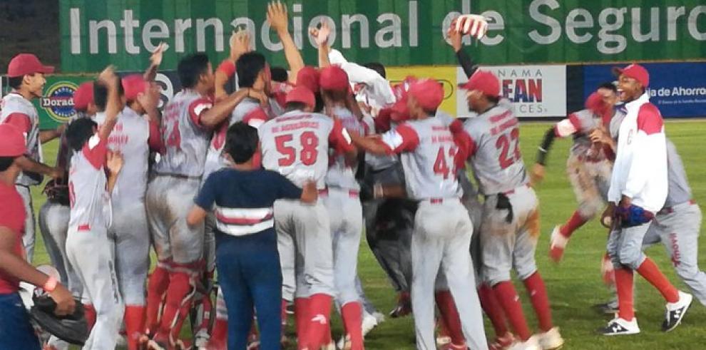Coclé derrotó 4-2 a Panamá Oeste