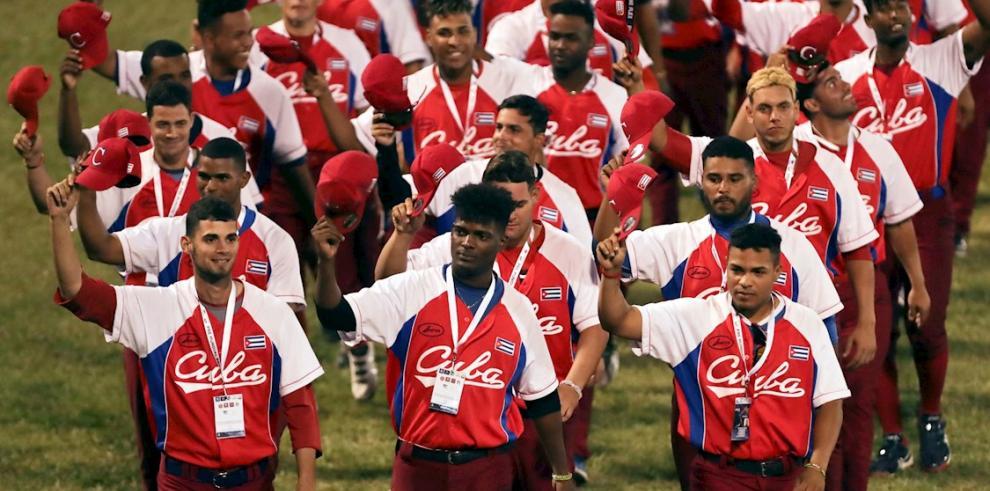La selección de Cuba fue registrada este viernes al desfilar, durante la inauguración del Panamericano de béisbol sub-23,