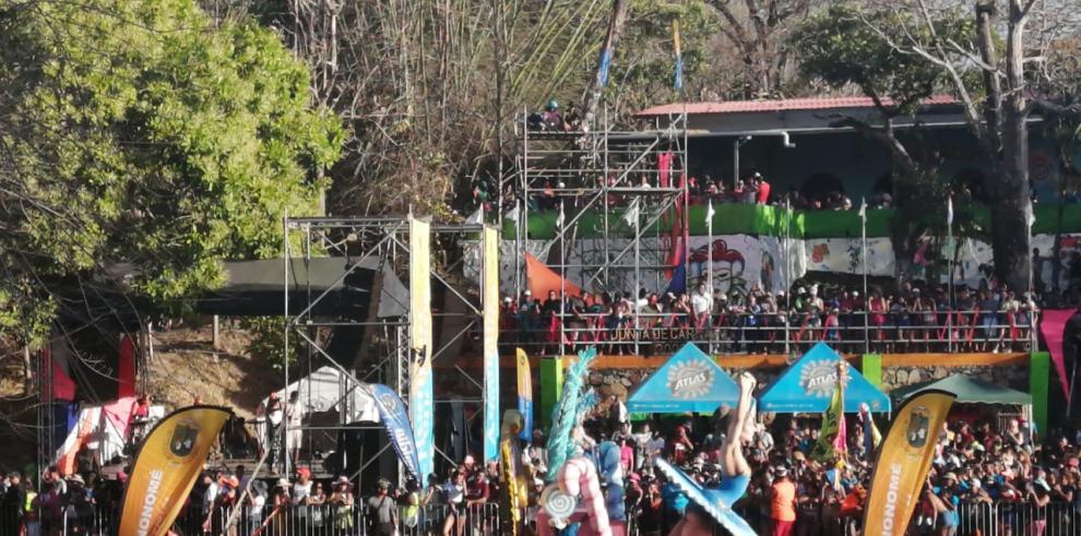 carnavales acuáticos en el balneario Las Mendozas