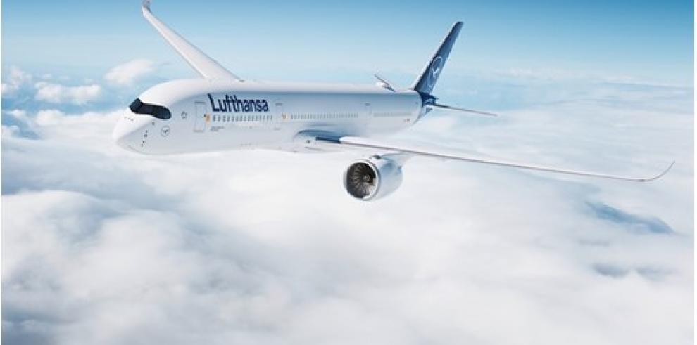 La aerolínea Lufthansa y sus filiales se sumaron a la lista de aerolíneas que han suspendido sus vuelos debido al coronavirus,