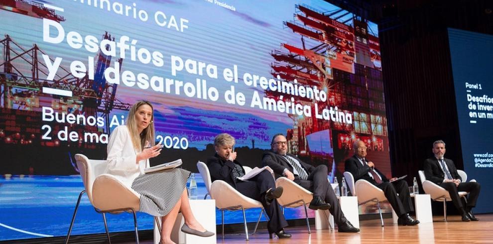 El seminario de CAF reunió a  líderes de diversos sectores para intercambiar perspectivas sobre los desafíos que afronta la región.