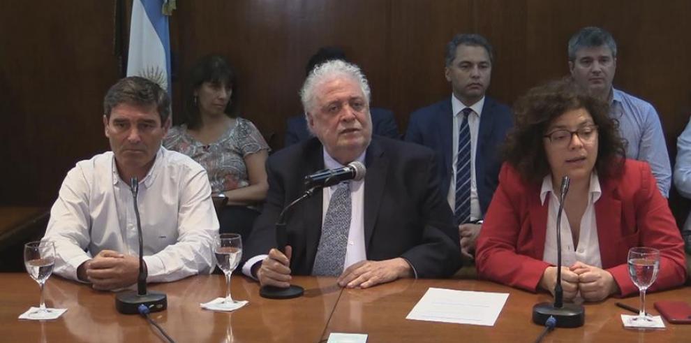 El ministro de Salud argentino, Ginés González García (c)