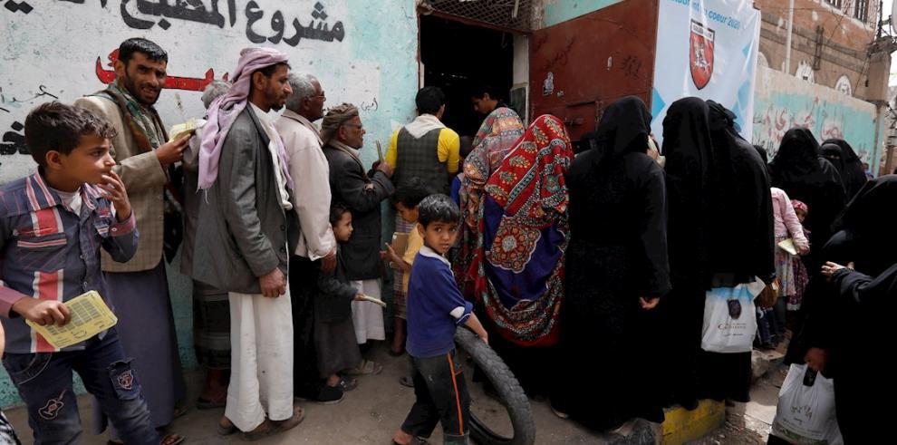 Los hutíes yemeníes suspenden los vuelos de pasajeros de la ONU a Saná.