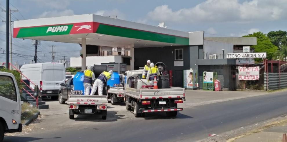 Organización de limpieza de paradas y puentes