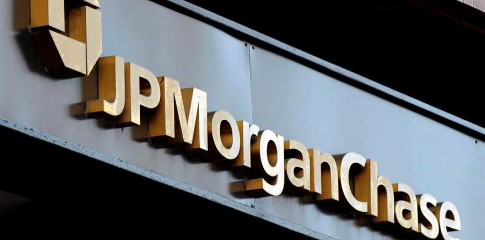 Economistas del mayor banco de EE.UU., JPMorgan Chase, advirtieron que según sus últimas estimaciones sobre la pandemia de COVID-19, el mundo está entrando en una