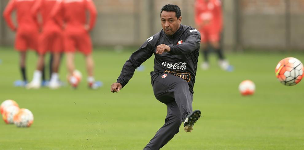La cara más conocida entre las decenas de miles de detenidos es la del exjugador de fútbol Nolberto Solano
