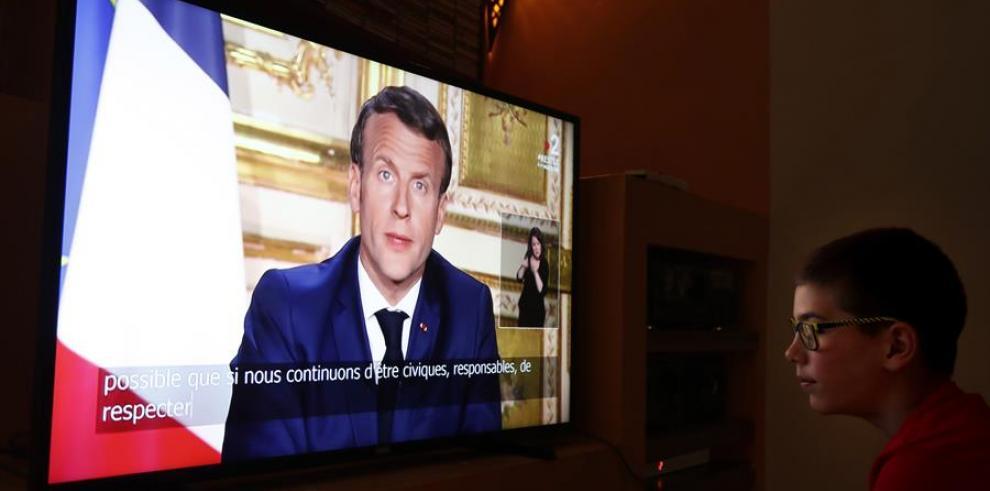Francia suspende actividad deportiva.