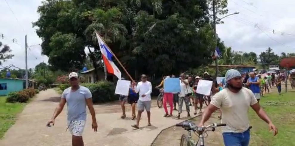 Manifestación en Jaqué por COVID-19