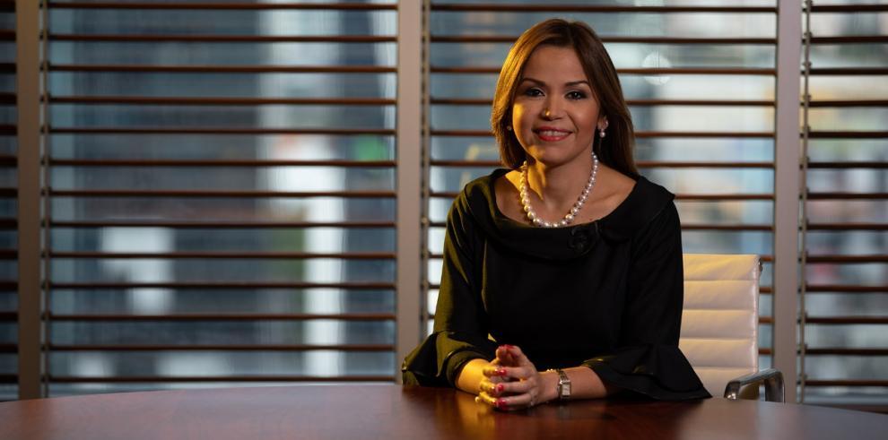 Aimeé Sentmat de Grimaldo, presidenta de la junta directiva de la Asociación Bancaria
