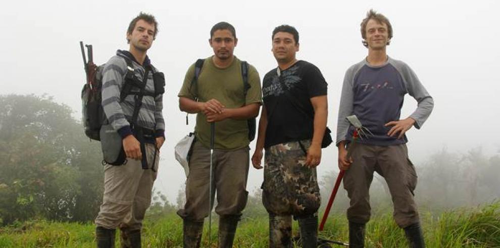 Biólogos panameños