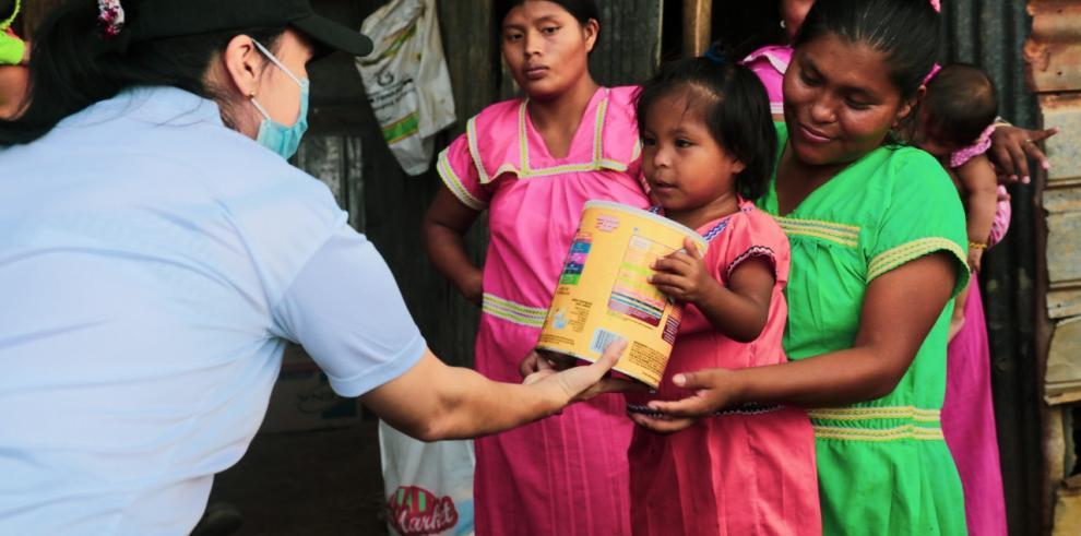 Mides dona leche en Azuero y Veraguas