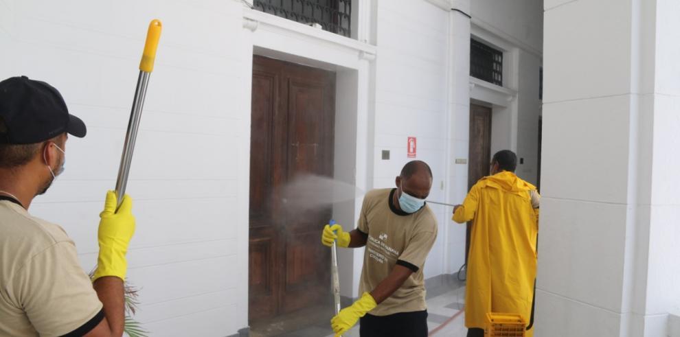 Limpieza y sanitización en la sede de MiCultura