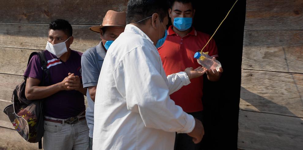Los pobladores indígenas toman las medidas necesarias para que el virus no azote en su región