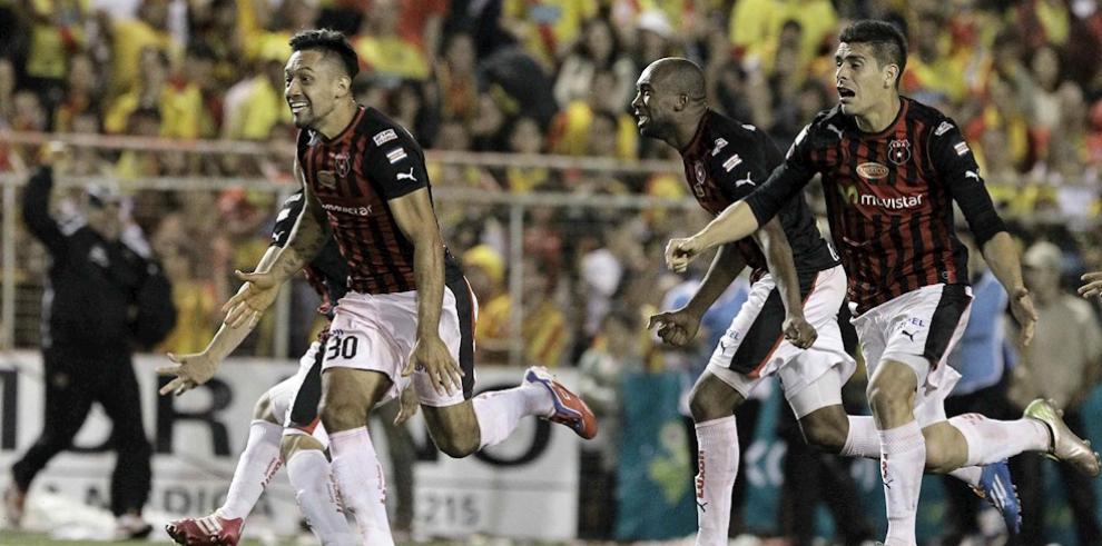 Imagen de archivo de jugadores de la Liga Deportiva Alajuelense.