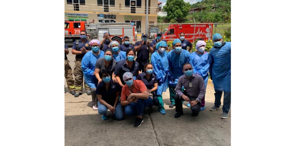 Médicos panameños