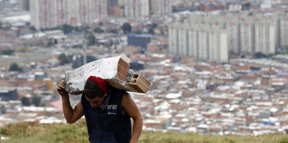 Desalojados en plena cuarentena, el drama de familias desposeídas en Bogotá