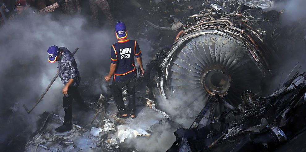 Accidente del  avión Airbus A-320 de la compañía Pakistan International Airlines (PIA)
