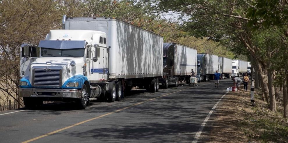 El transporte de carga centroamericano se mantiene congelado desde el pasado 18 de mayo, cuando Costa Rica restringió el ingreso a su territorio de conductores extranjeros