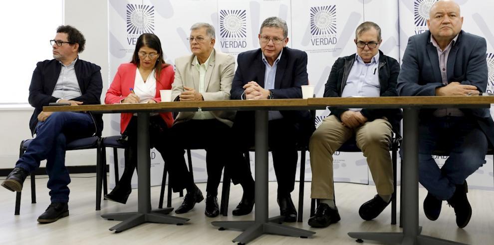 En la imagen los integrantes del partido político Fuerza Alternativa Revolucionaria de Común (FARC)