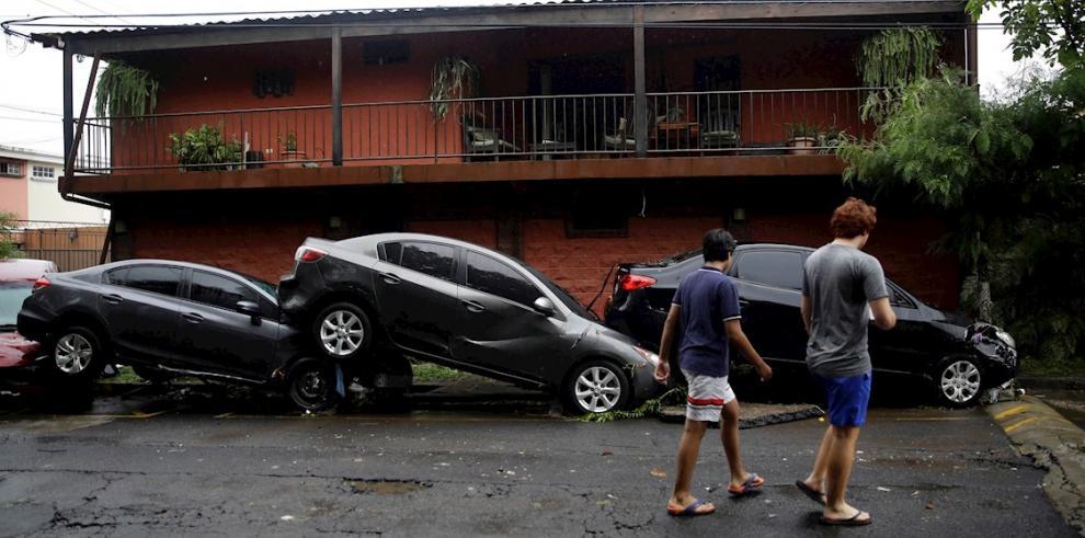 Vista este domingo de los daños causados por la tormenta tropical Amanda, en San Salvador (El Salvador).