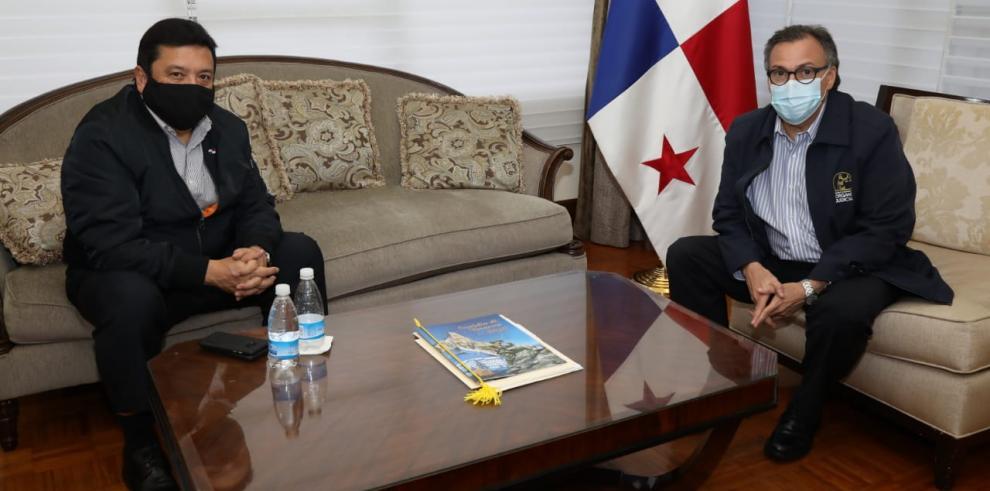 Reunión entre el procurador de la Nación y el presidente de la Corte.