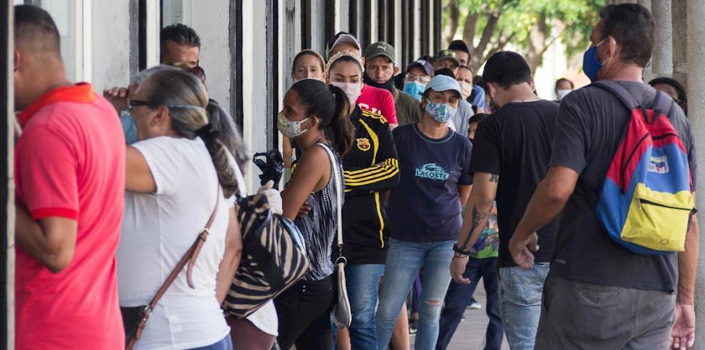 El Gobierno venezolano reportó hasta este domingo 5.297 casos de personas contagiadas con el coronavirus, de las que 44 personas fallecieron.
