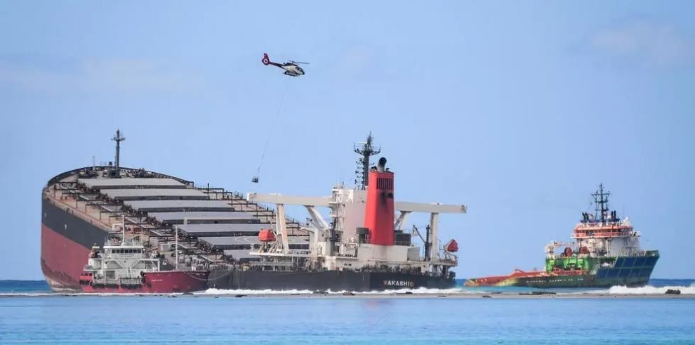Panamá investiga accidente de barco con bandera panameña que ha ocasionado un estado de emergencia medioambiental