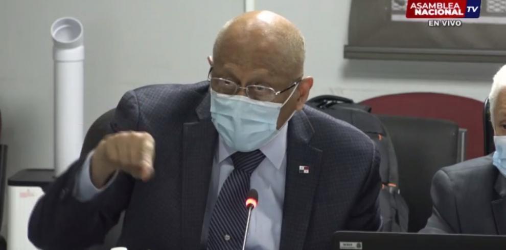 Héctor Alexander, titular del MEF