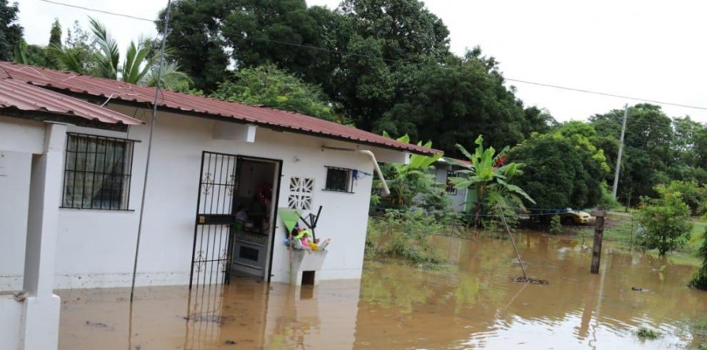 Los fuertes aguaceros causaron afectaciones en diversas comunidades del distrito de Chepo.