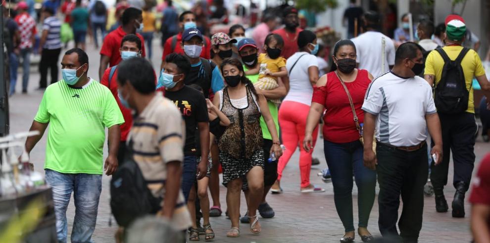 Movimiento de personas en la ciudad de Panamá