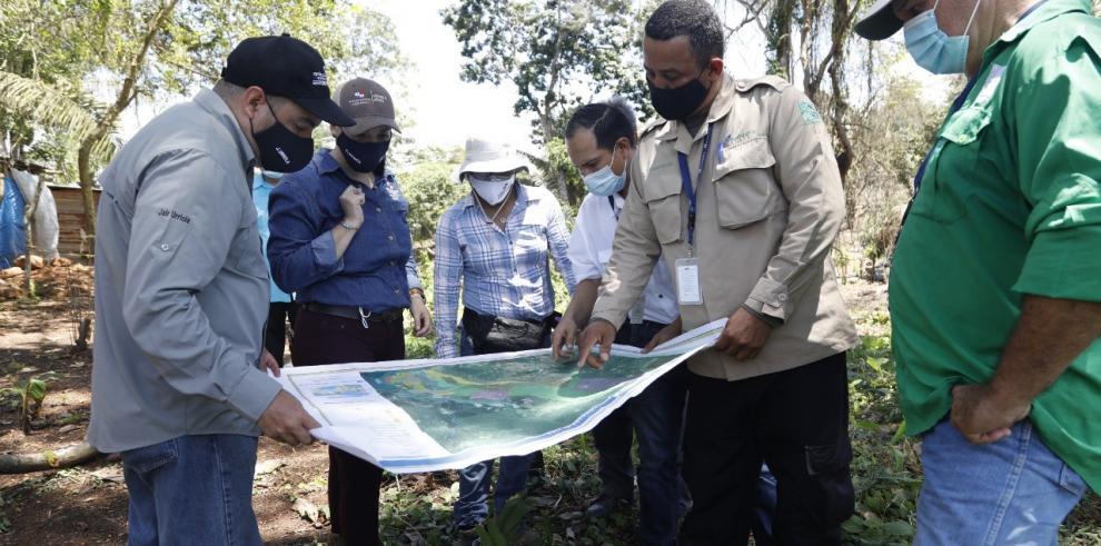 Autoridades visitan asentamientos informales e invasiones