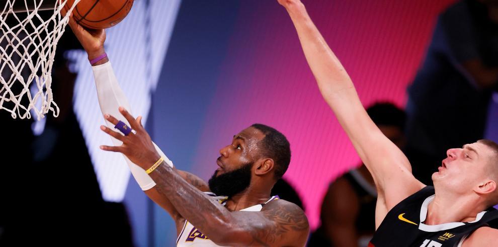 Los Lakers y los Nuggets