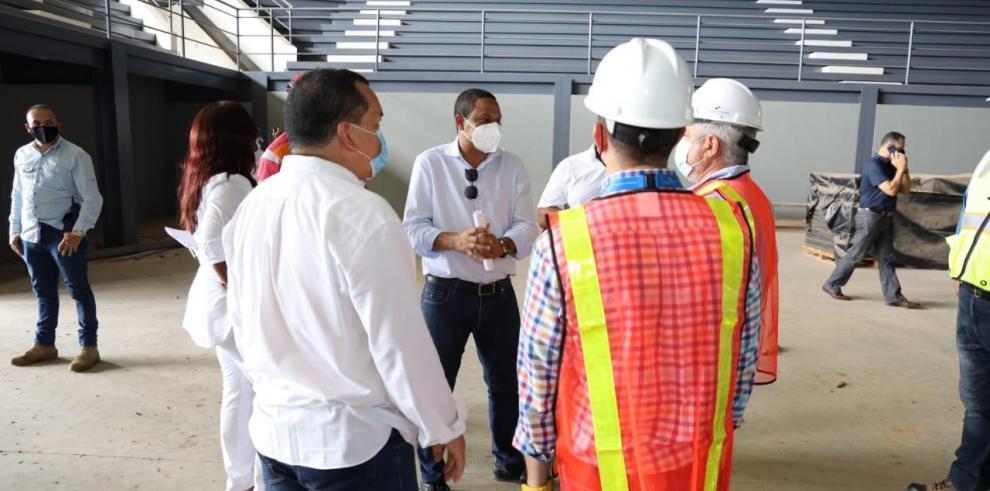 Asamblea inspecciona construcciones de colegios en Coclé y Azuero