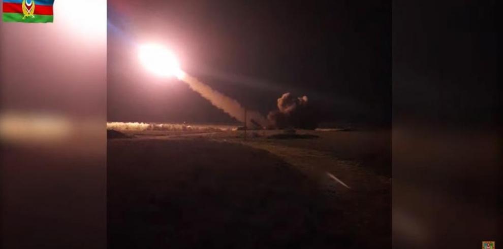 Imagen de un video facilitado por el ministerio de Defensa de Azerbaiyan de una intervención militar en la zona de Nagorno Karabaj