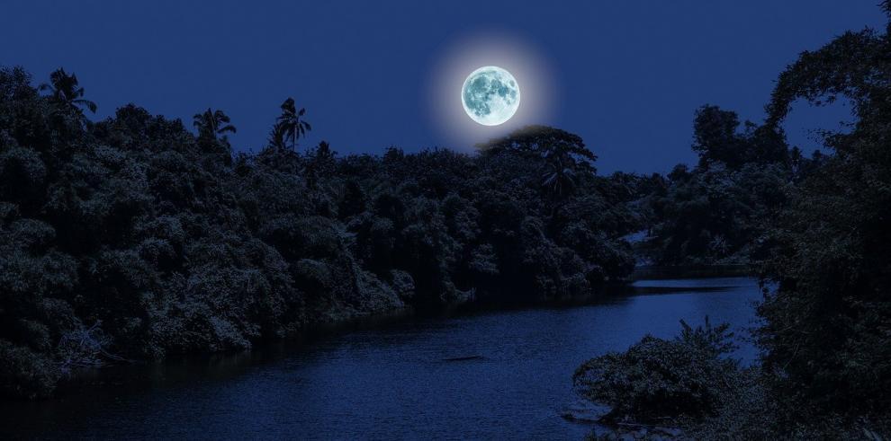 Río negro luna
