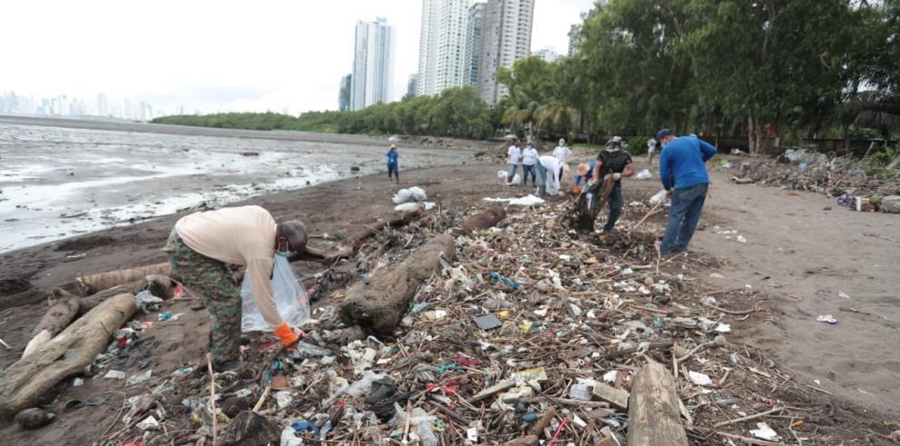 limpieza dee playa