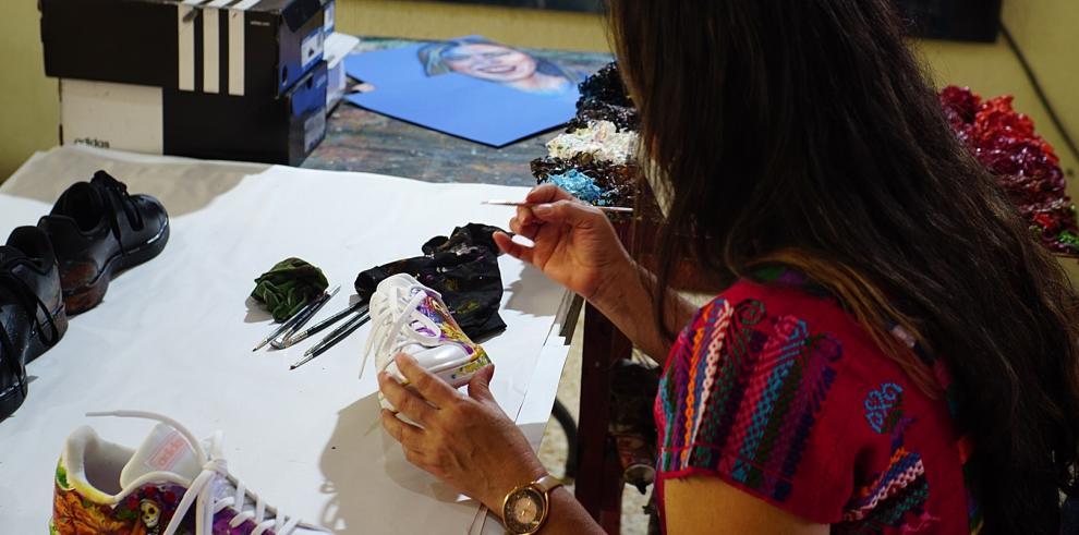 La artista plástica