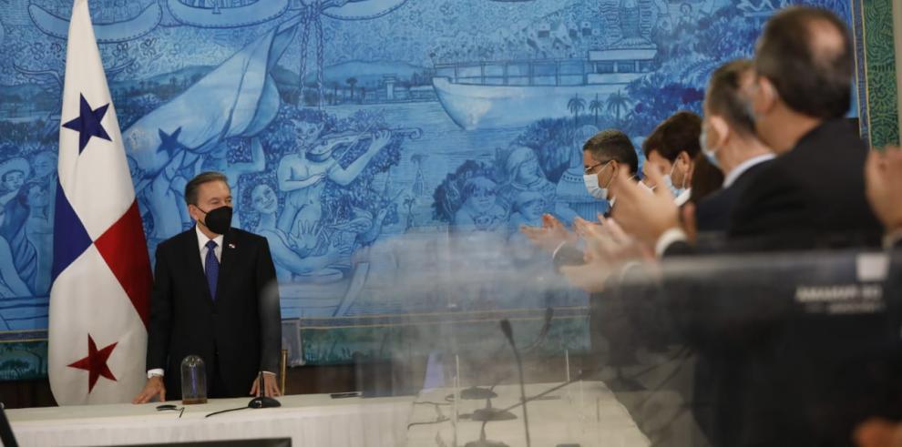 Cortizo inaugura la 76 Asamblea de la SIP con la firma de la Declaración de Chapultepec .