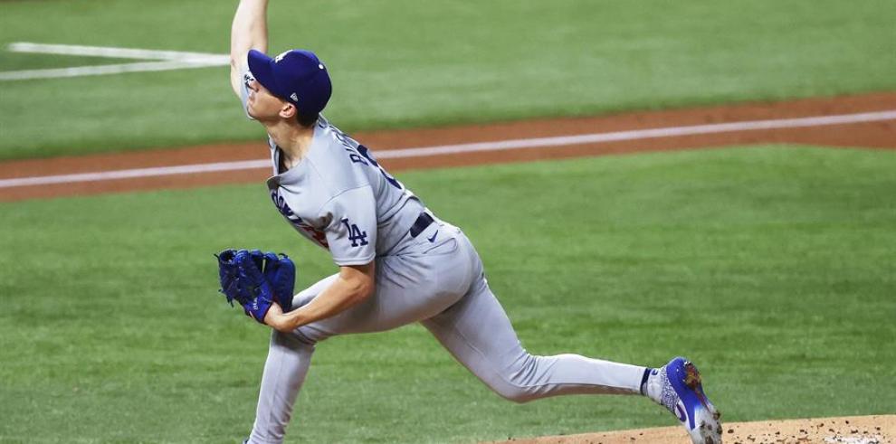 El jugador de los Dodgers de Los Ángeles Walker Buehler