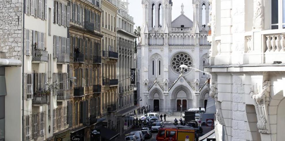 Tres muertos en un atentado terrorista en la ciudad francesa de Niza