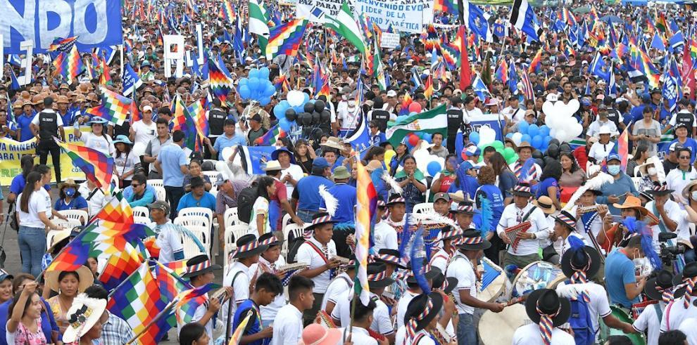 Miles de seguidores esperan el regreso de Evo Morales a su fortín cocalero