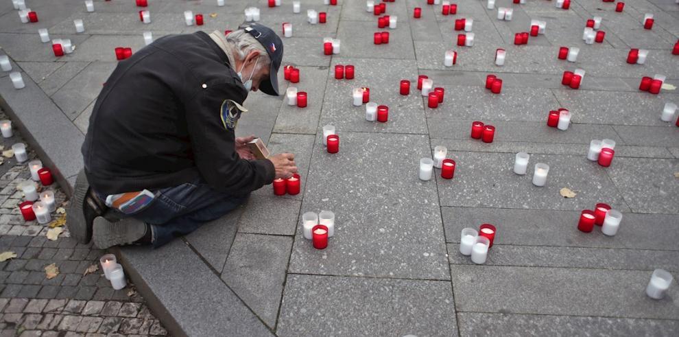 Duelo en Praga por los difuntos del coronavirus