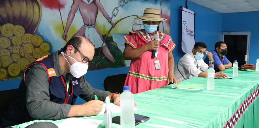 Defensoría del Pueblo y autoridades de la Comarca Ngabe Buglé