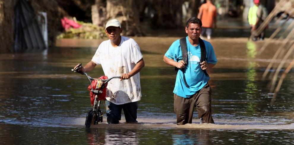 Honduras permanece con inundaciones tras un mes del paso de Eta e Iota
