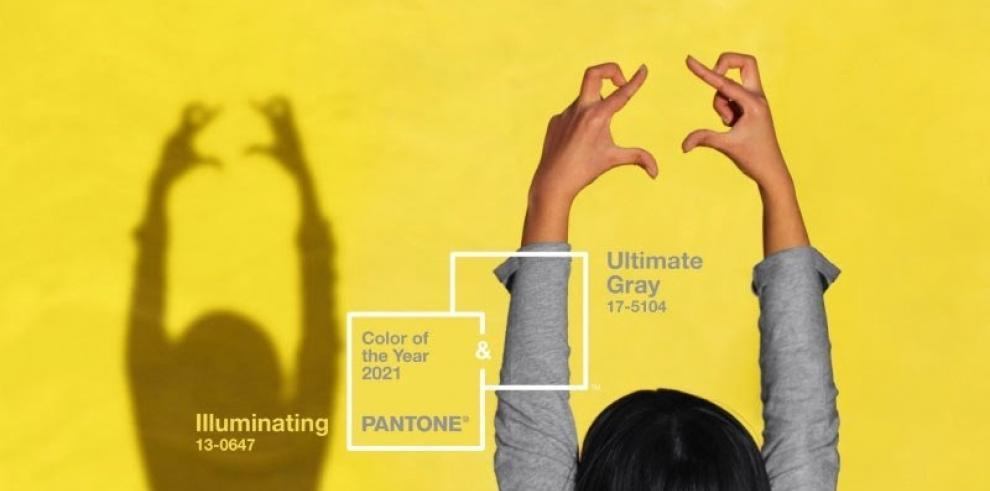 PANTONE 17-5104 Ultimate Gray + PANTONE 13-0647 Illuminating es la denominación exacta de los tonos