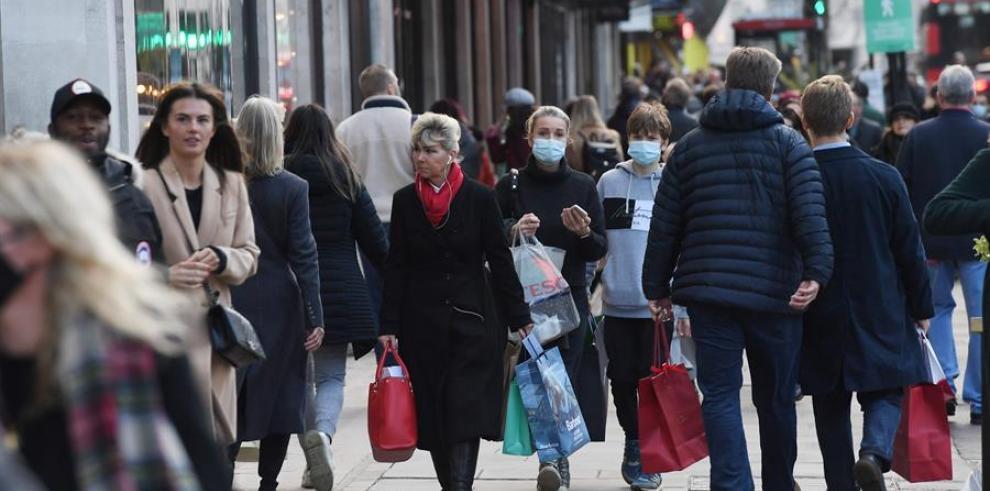 Los expertos cuestionan que Reino Unido suavice las restricciones por Navidad