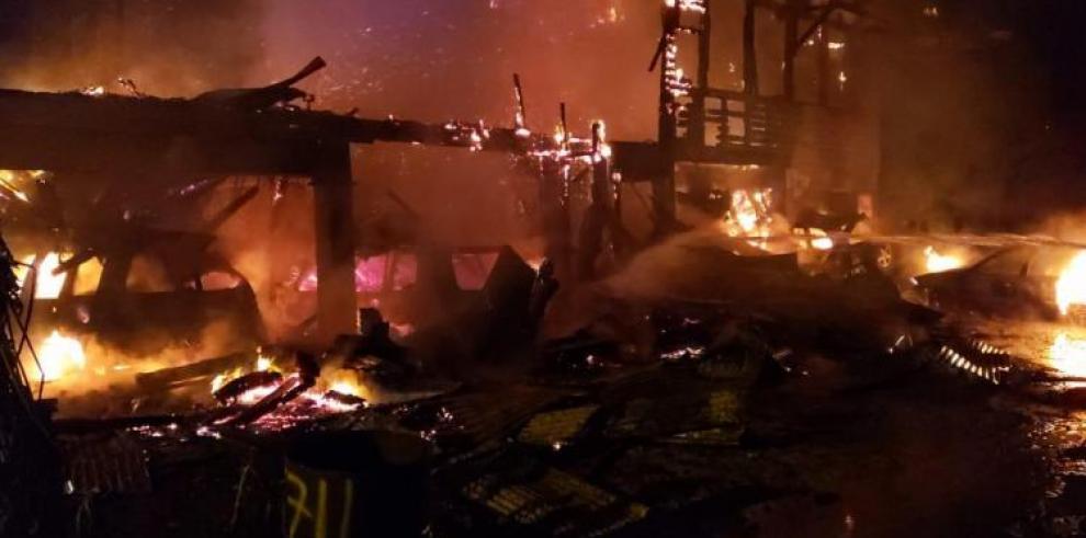 Nueve personas heridas por incendio en Diablo