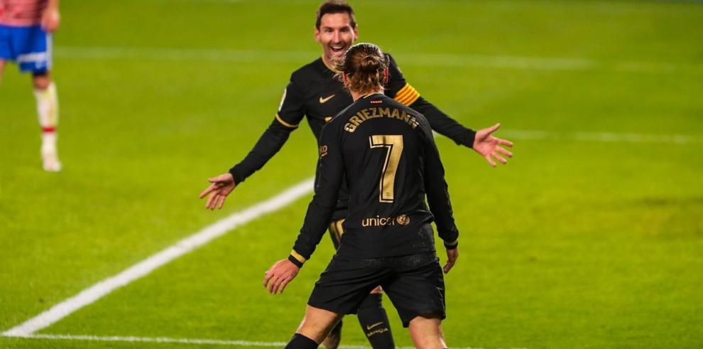 El Barcelona golea al Granada (0-4) con dobletes de Griezmann y Messi